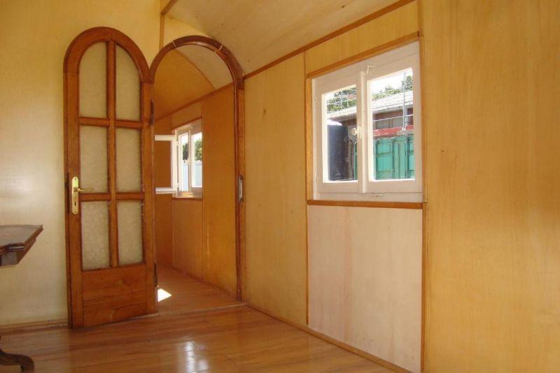zirkuswagen mit oberlicht in hessen heppenheim. Black Bedroom Furniture Sets. Home Design Ideas