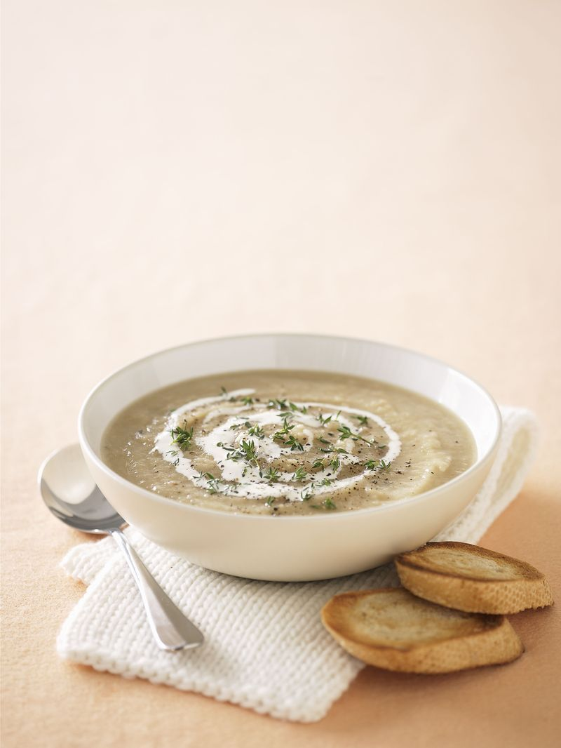 Cream of artichoke soup