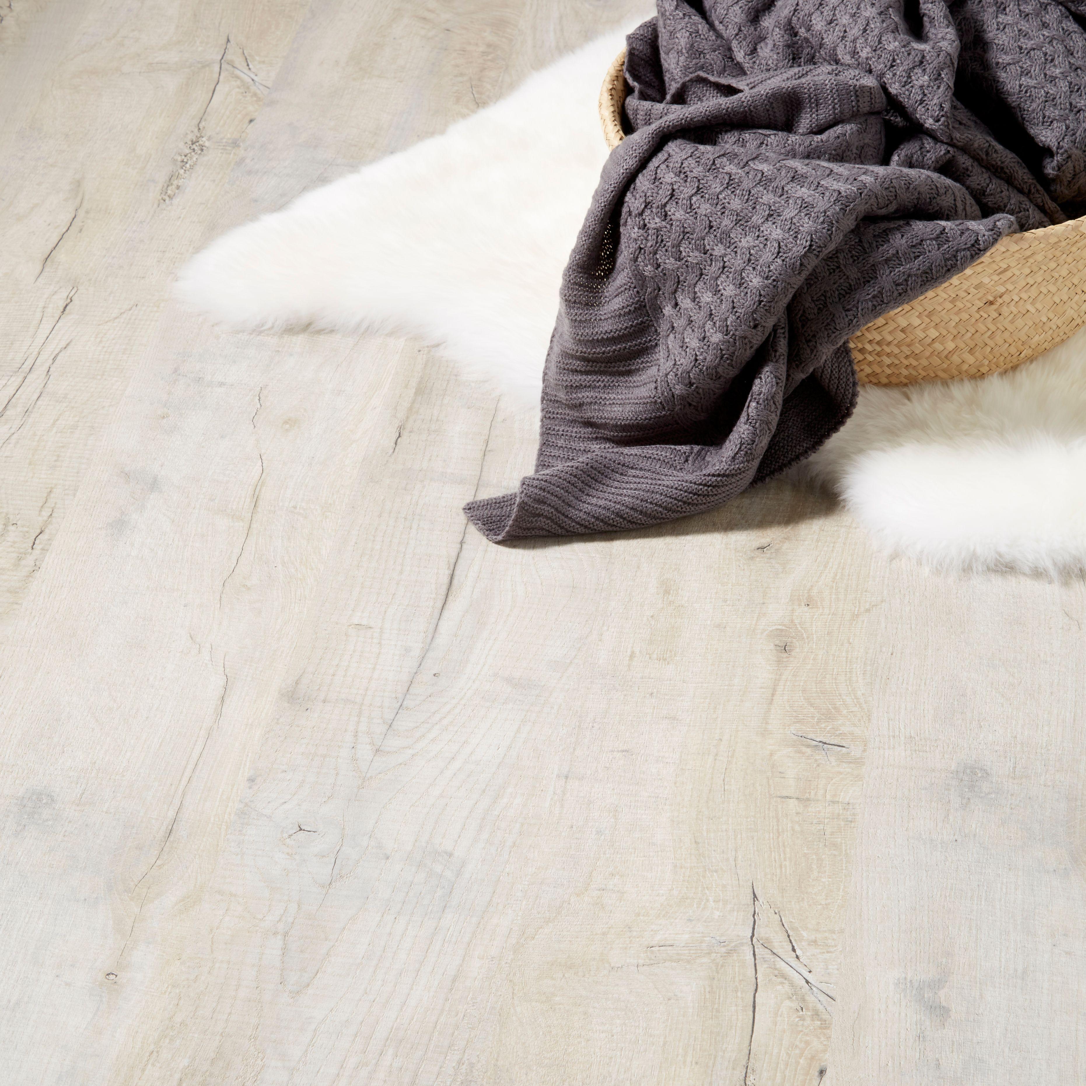 Brisbane Grey Oak Effect Laminate Flooring 1.996 m² Pack ...