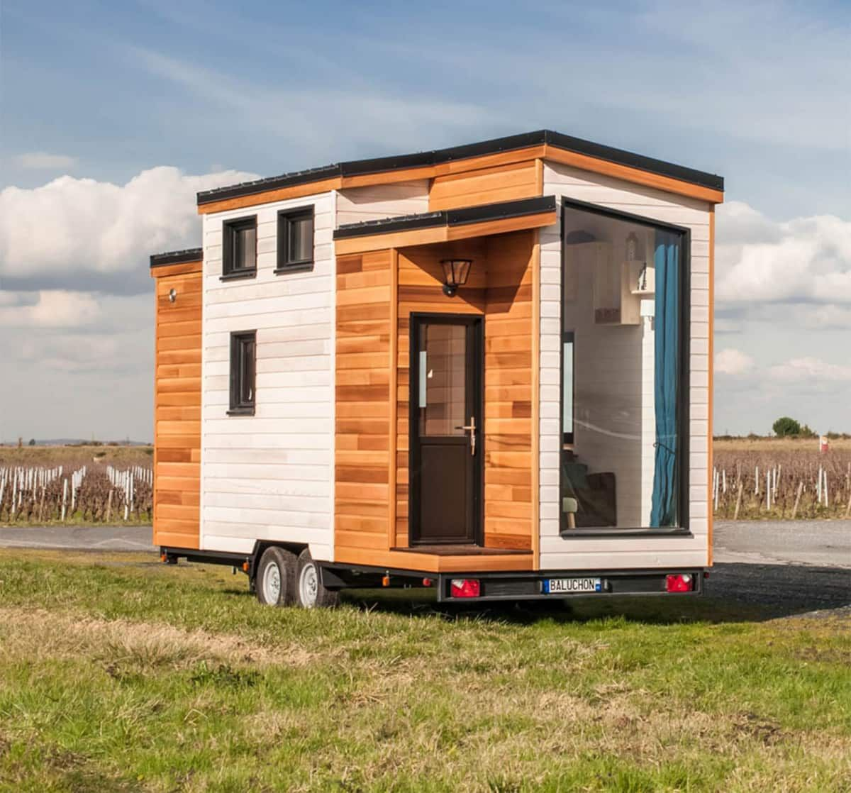Magic Tiny Houses Where Life Becomes Simple Tiny House For Rent In Mobile Alabama Tiny House Li Tiny Houses For Rent Tiny House Design Tiny Mobile House