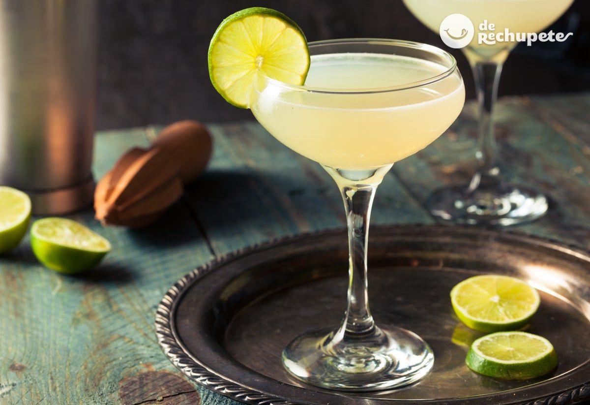 Como Hacer Un Coctel Daiquiri Recetas De Rechupete Recetas De Cocina Caseras Y Faciles Recipe Daiquiri Cocktail Daiquiri Rum Drinks