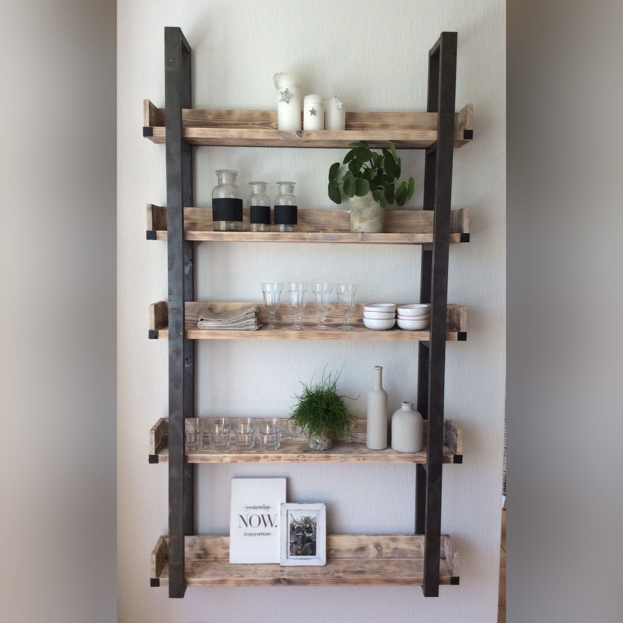 DIY Floating Plate Rack / Holz / Upcycling/Holz altern lassen