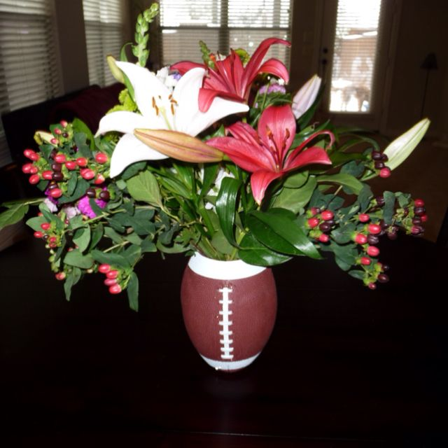 A Great Way To E Up Flower Arrangement For Super Bowl Or During Football Season