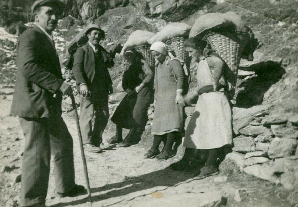 VAL CHISONE - donne e miniere - le donne e ilo talco