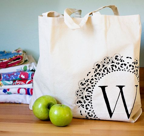 cute idea...make personalized tote bags for gifts!