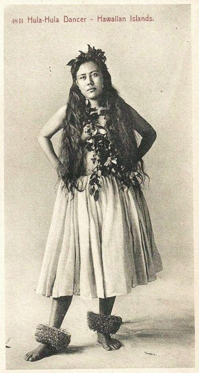 grand-bazaar:  1907 Hawaii - Hula Dancer
