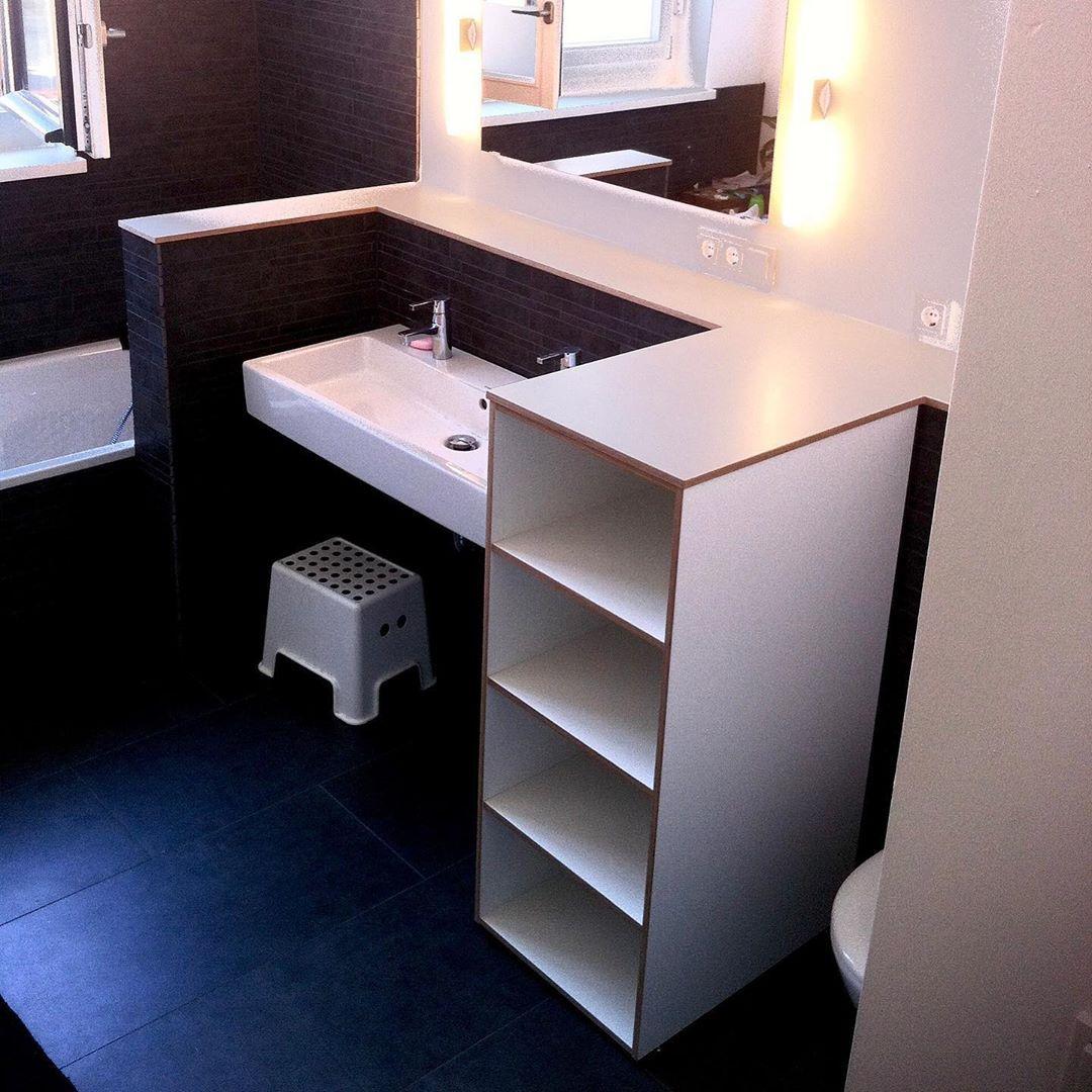Hier Wurde Ein Badezimmer Regal Mit Ablage Als Trennung Zwischen Wc Und Waschbecken Aus Weisser Multiplex Platte Eingebaut Der Kunde Home Decor Interior Home