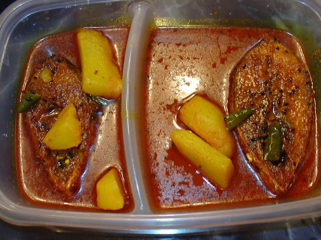 Hilsa Fish Curry