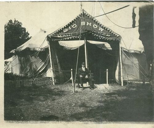 Circus tent Big Show by edition_of_one via Flickr & Circus tent Big Show