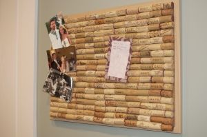 Wine cork board. So gonna make this! Lord knows I have enough wine corks!