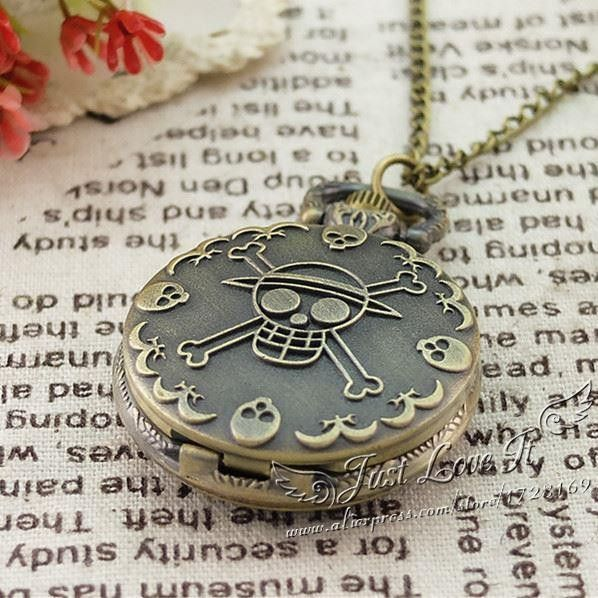 Antique Bronze Anime Skull One Piece Luffy Design Quartz Pocket Watch Pendant with 80CM Chain for interesting Halloween