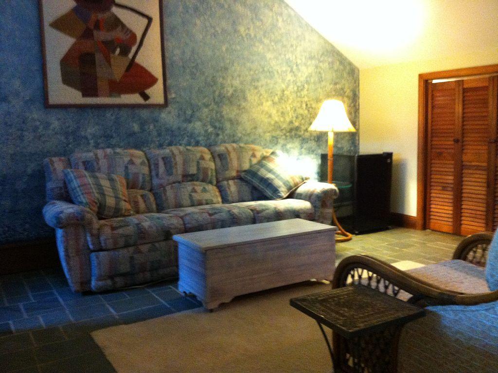 VRBO.com #875902 - Sunny , Cozy 1-Bedroom, Wooded, Private ...