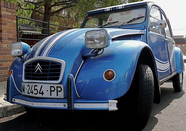 Citroen 2cv Azul Blue 2cv Citroen Citroen 2cv Citroen Antique Cars
