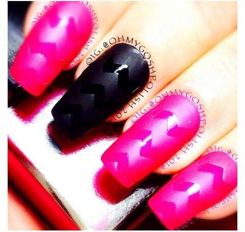 Black & pink with matte top coat nail art.