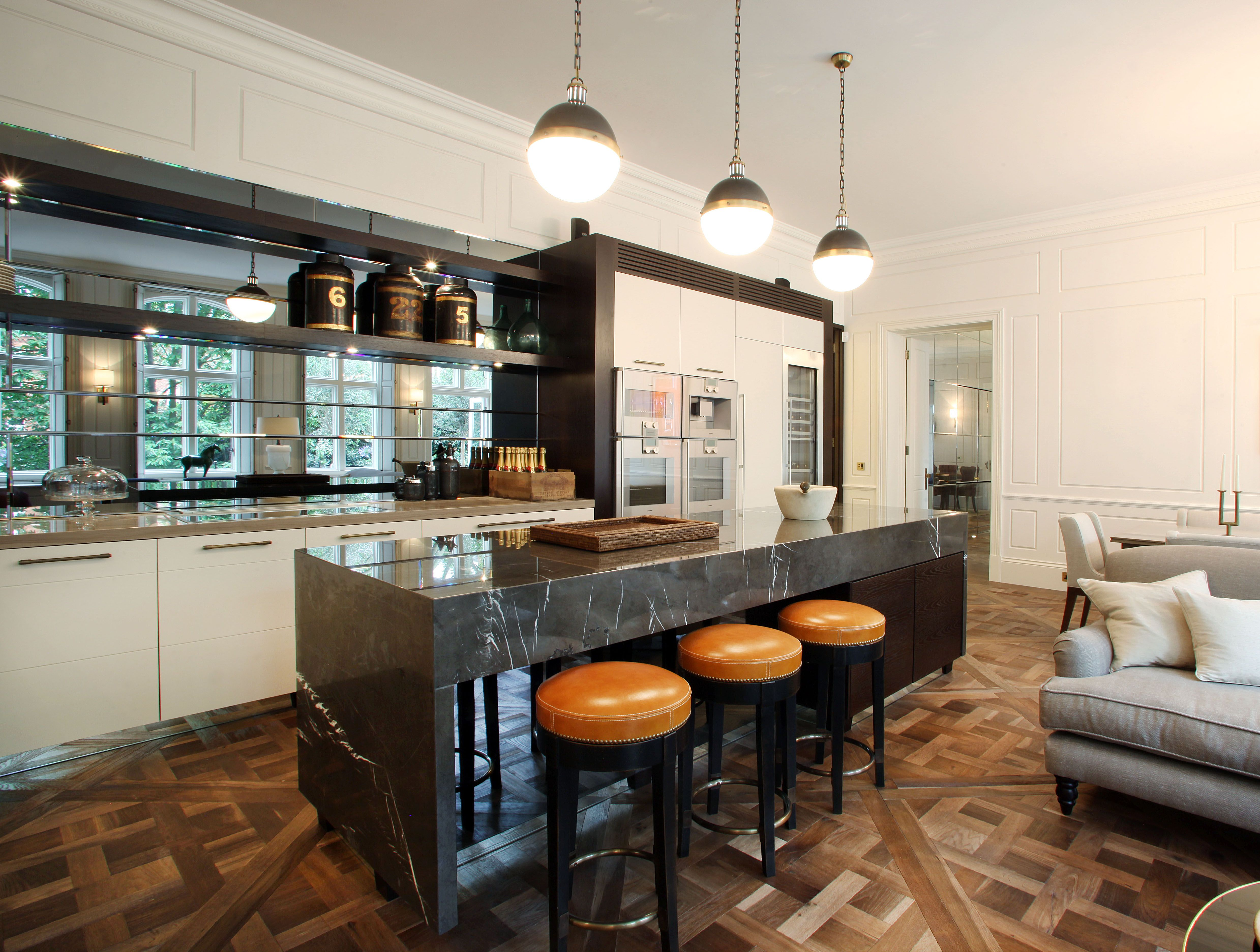 Kitchen. Luxury triple lateral apartment, Lennox Gardens