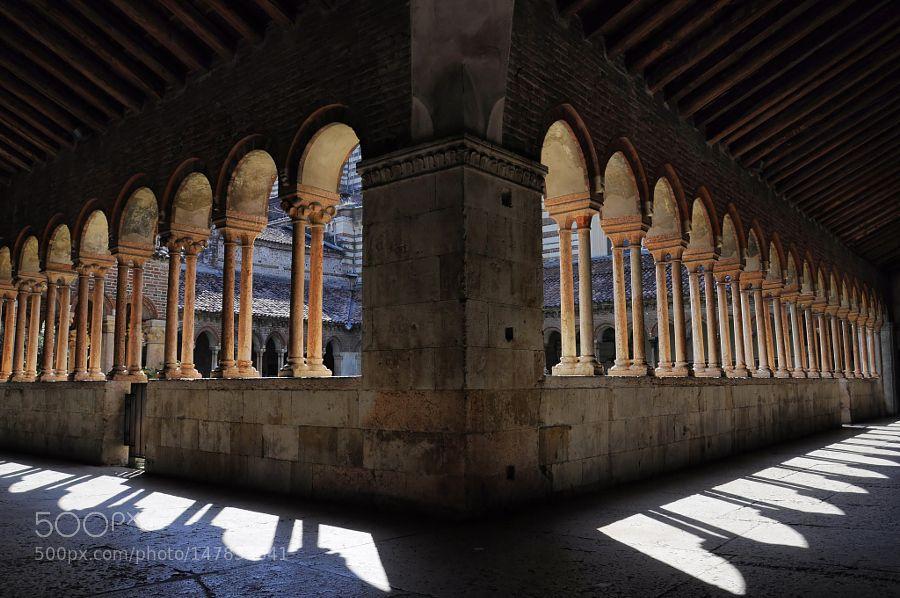 Chiostro Basilica di San Zeno - Verona by nezdan67