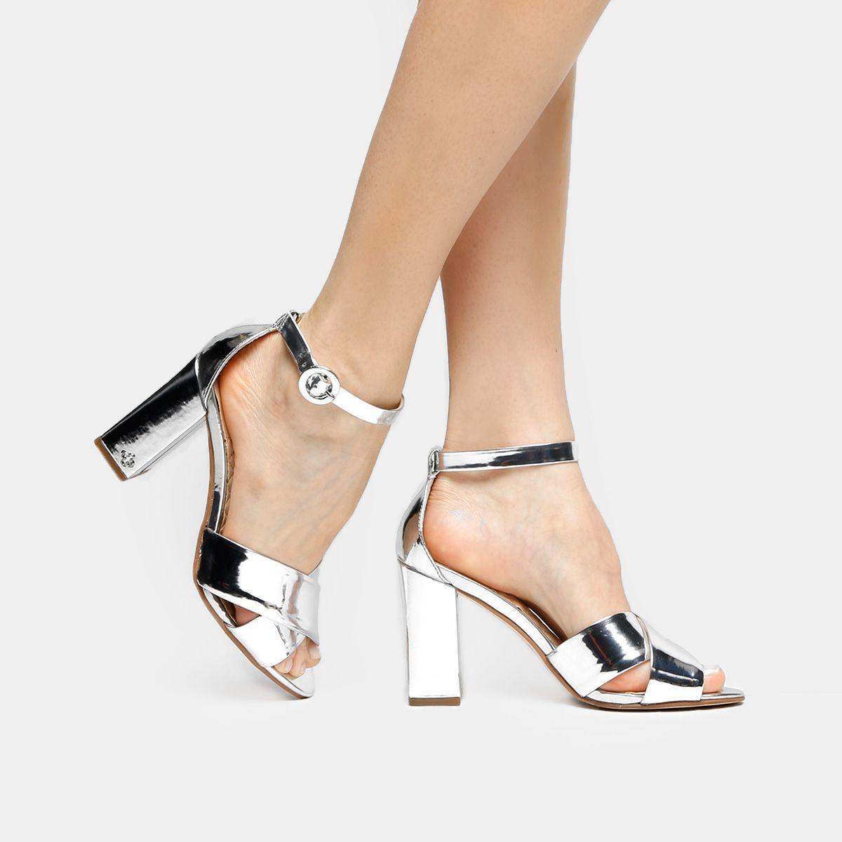 e5d06d17e ... Grosso Tiras Cruzadas Caramelo na Zattini a nova loja de moda online da  Netshoes. Encontre Sapatos, Sandálias, Bolsas e Acessórios. Clique e  Confira!