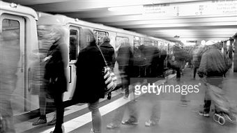 Crowded Metro Station Pictures & Stock Photos | Getty Images