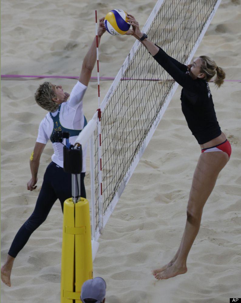 Photos Kings Queens Of The Beach Beach Volleyball Volleyball Photos Volleyball Articles