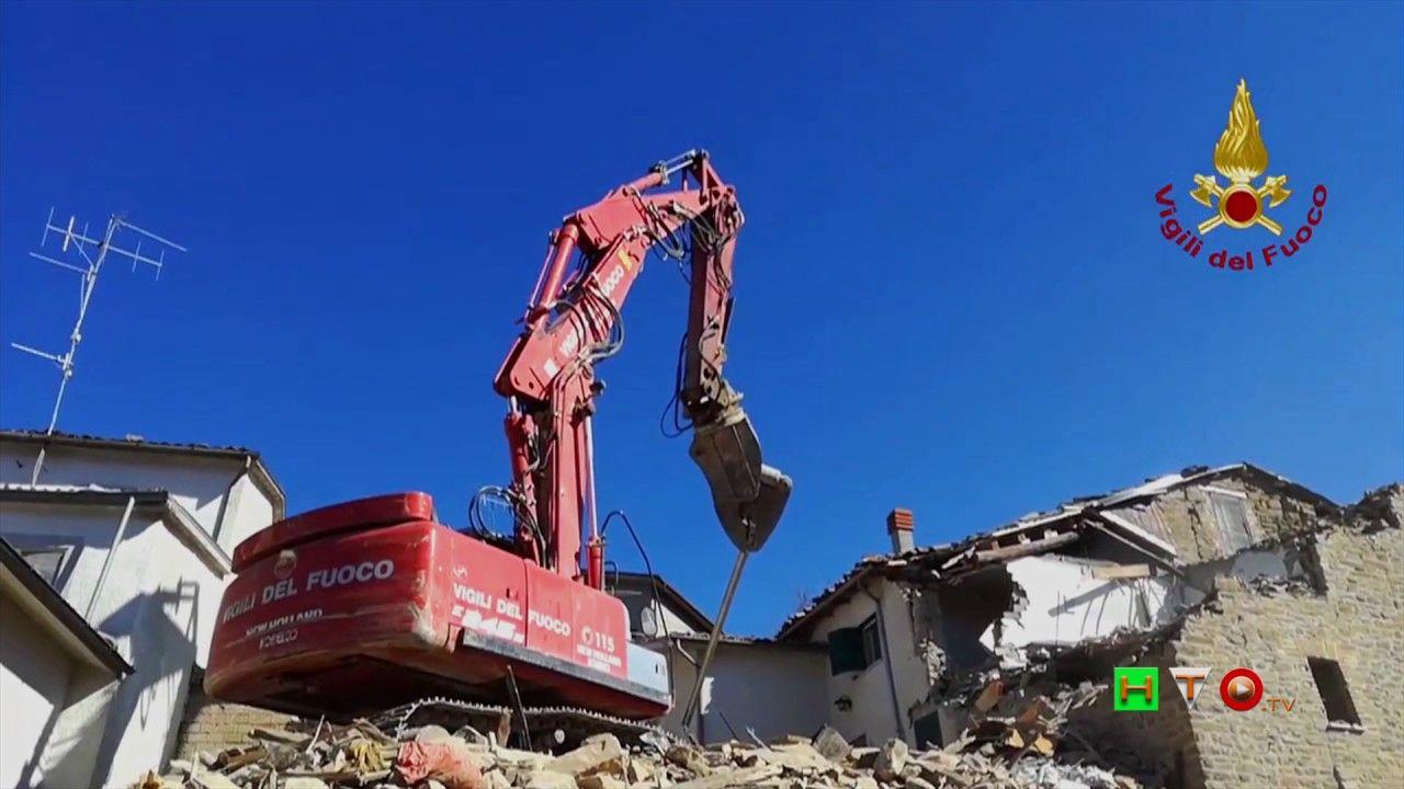 Vigili del Fuoco - Poggio Vitellino – Demolizione controllata di un abit...