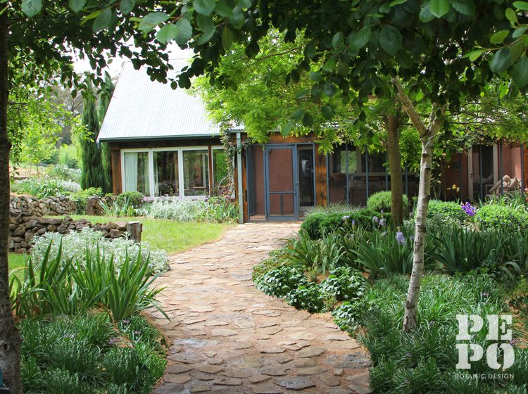 Bowral Garden Path Australian Cottage Garden Style Southern Highlands New South Wales By Pepo Botanic Design Cottage Garden Garden Paths Garden Styles