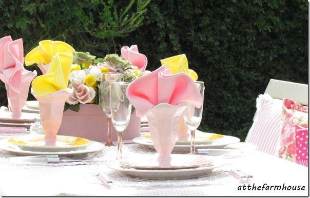 Lovely spring garden tablescape  atthefarmhouse blog