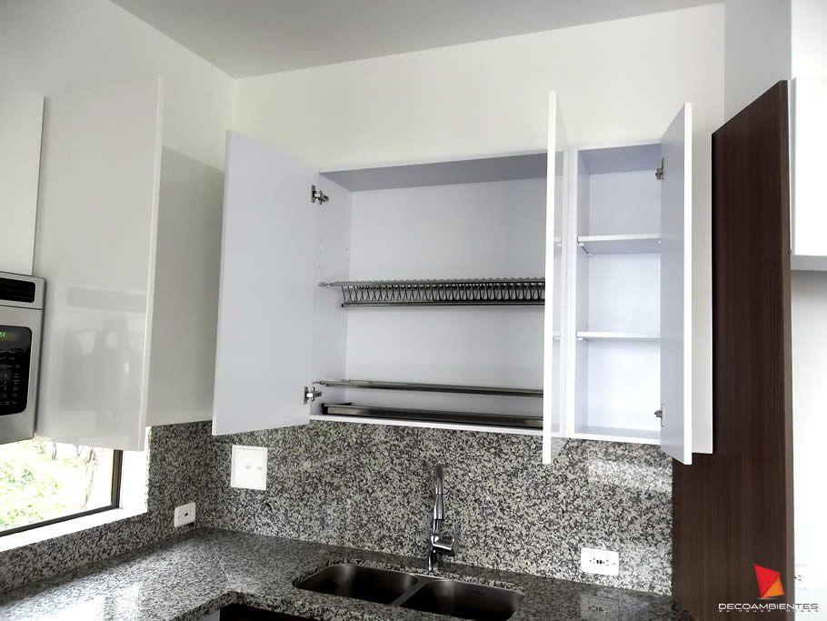 Alacenas blancas en Cocinas Integrales Bogotá, Colombia - Cocinas Integrales Blancas