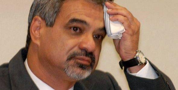 Piada: Humberto Costa quer mudar Constituição para não afastar Dilma