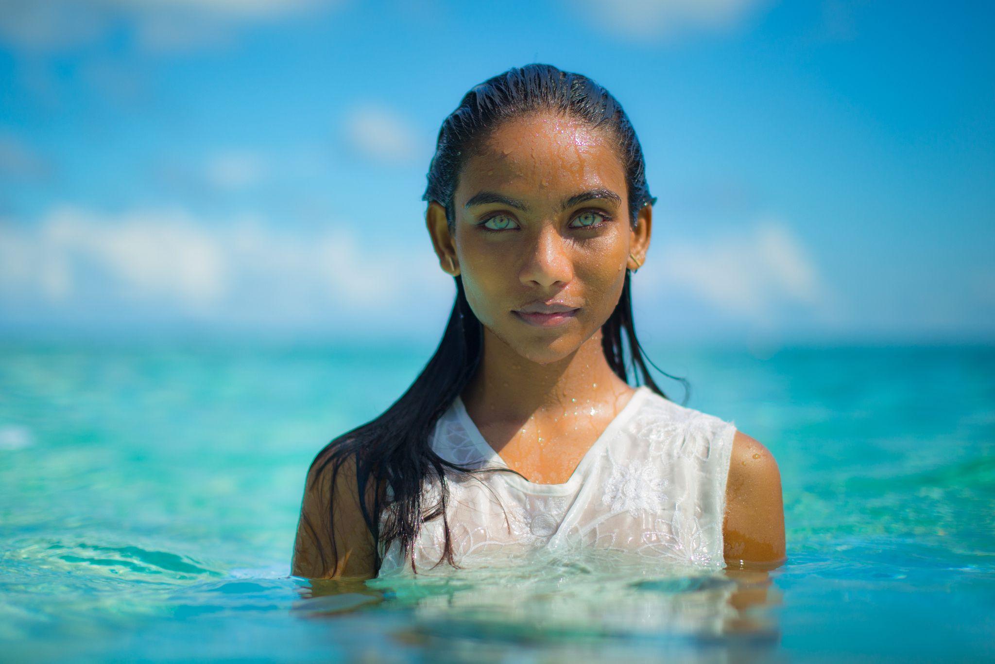 Maldivian Girl With Aquablue Eyes Photos Of Eyes Beautiful Eyes Aqua Eyes