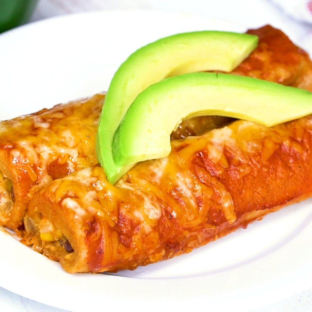 best vegetarian enchiladas youll ever eat! Packed full of veggies and creamy cheesy flavor, and to