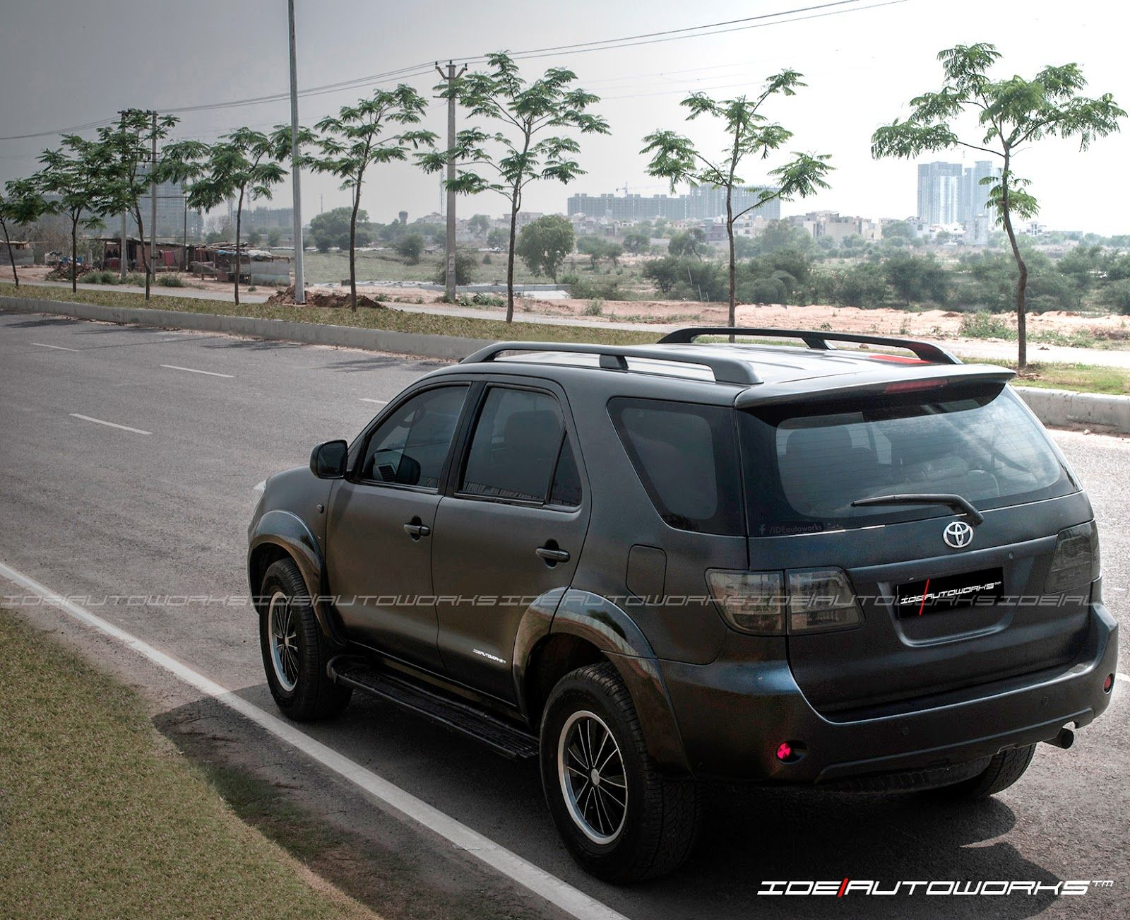 Ide autoworks toyota fortuner satin matte black full car wrap