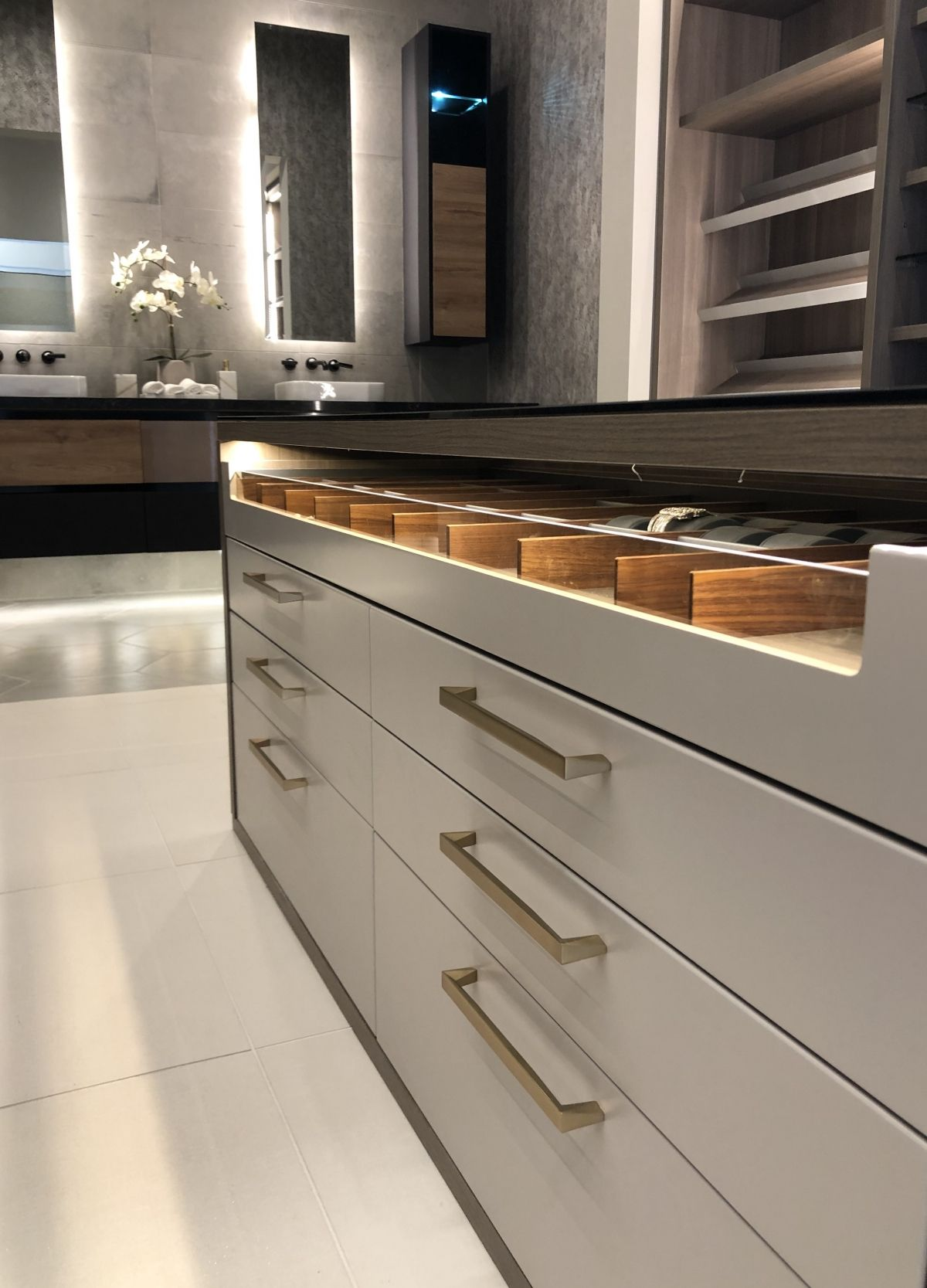 What Is The Right Cabinet For My Kitchen Terravista Interior Design Group Kitchen Cabinets Kitchen Cabinet Design Kitchen Design