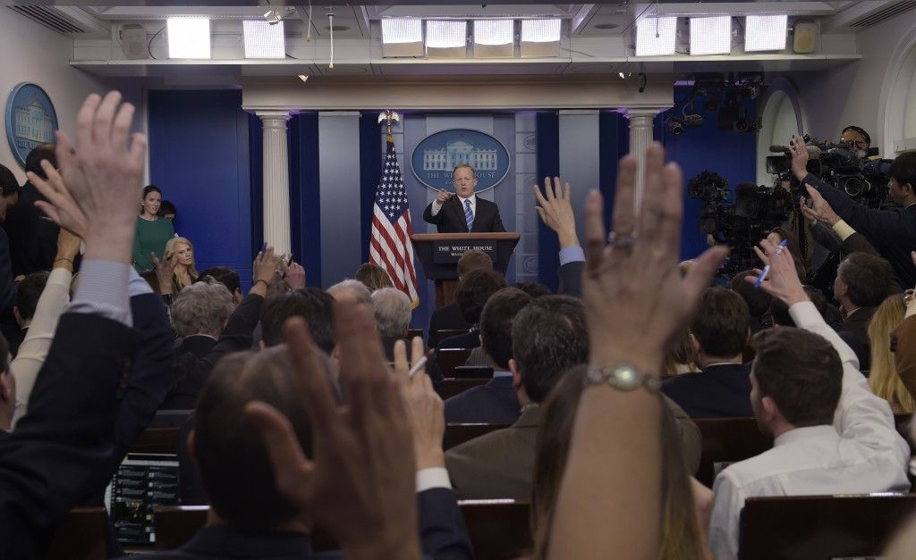 Seymour Hersh Blasts Media for Uncritically Promoting