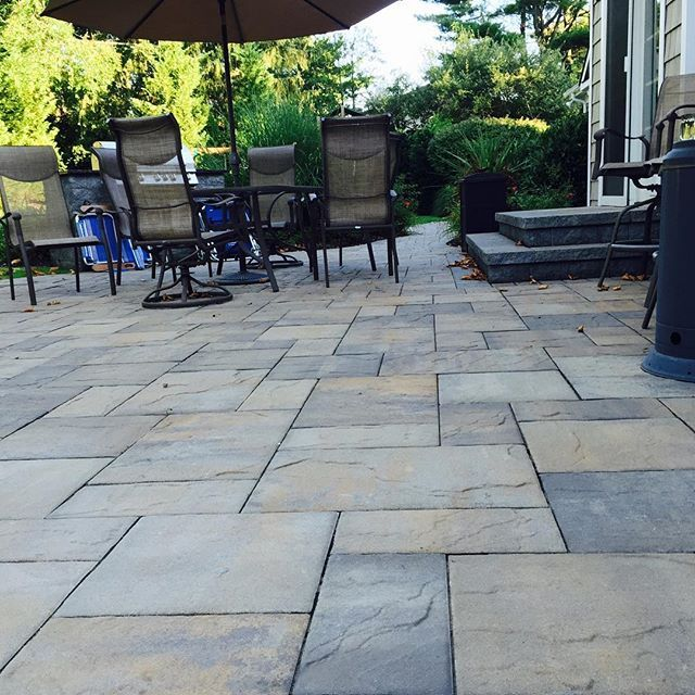 Large Scale Paver Patterns Are Very Popular In Long Island