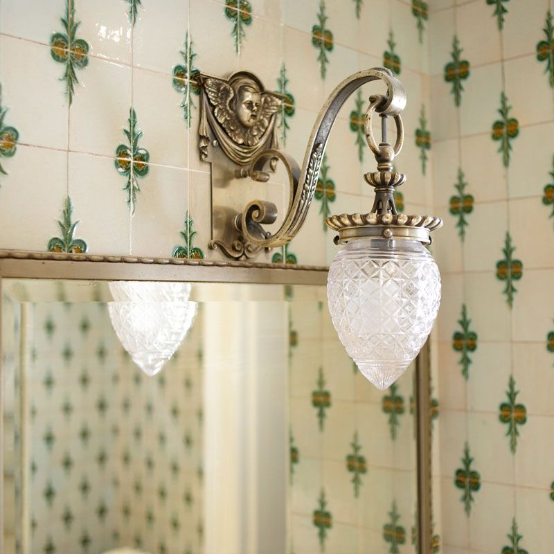 Don T Like The Light But Love Victorian Style Tiles