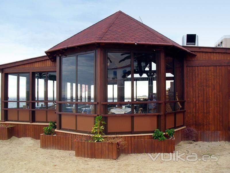 Kiosco de madera para jardin buscar con google for Disenos de kioscos de madera