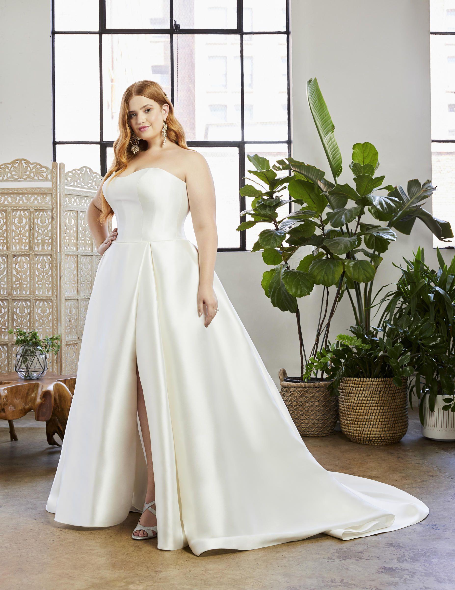 Beloved by Casablanca BL335 Bride 'N Groom in 2020