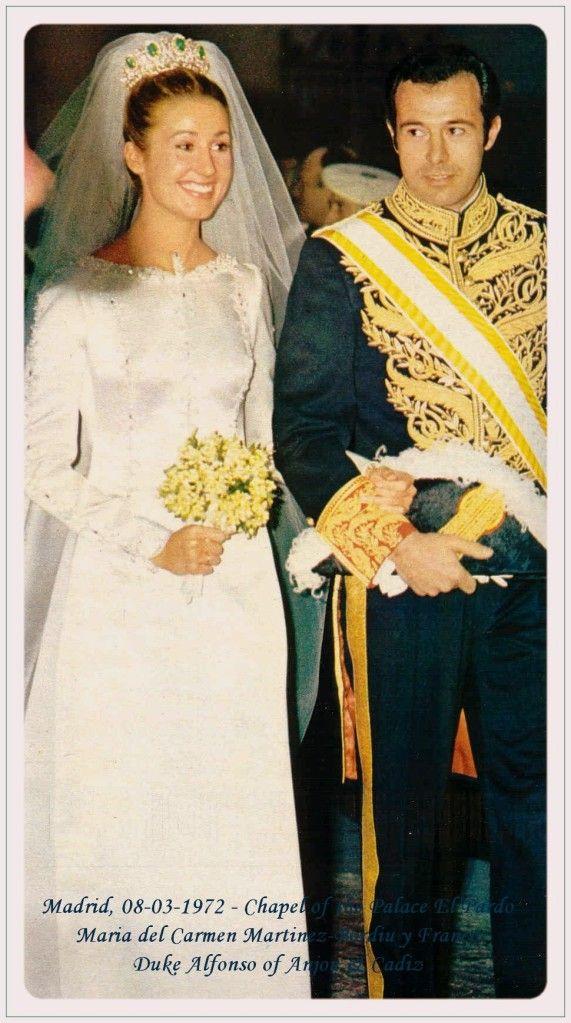 Maria Del Carmen Franoc Y Polo Only Child Of General Franco Carmen Polo Y Martinez Valdes Wed Cristobal Famous Wedding Dresses Royal Weddings Royal Brides