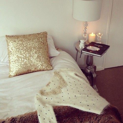 Love the warmth, with a touch of luxe with the sequin pillow.