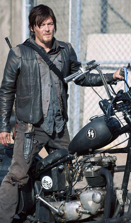 Daryl & amp;  son vélo (grand papier peint) RIP vélo de Daryl ... où que vous soyez