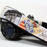 dSLR Camera Strap, World Travler 1, Pocket    WANT IT SO BAD!