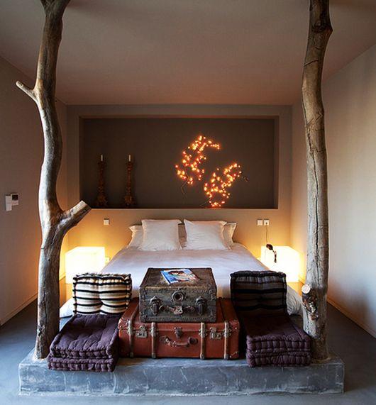 Kleine Schlafzimmer Einrichten Gemütlich Mit Betonpodest Für Die Matratze  Und Wandnische Für Moderne Und Kreative Wandgestaltung