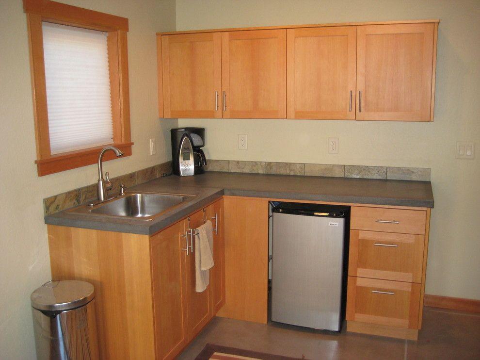 Small Kitchenette In Rumpus Room