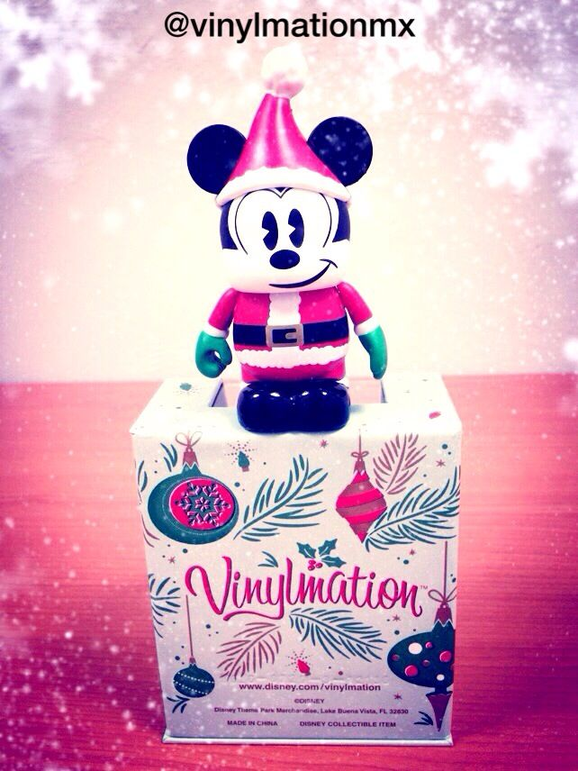 "Vinylmation ""Santa Mickey"" Twitter: @vinylmationmx Vine: vinylmationmexico Instagram: vinylmationmexico Facebook: vinylmationmexico Pinterest: vinylmationmexico Tumblr: www.vinylmationmexico.tumblr.com Wordpress: www.vinylmationmexico.com Mail: vinylmationmx@gmail.com"