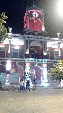 Plaza de la Libertad. Edificio Municipalidad y CCB Centro Cultural Bicentenario