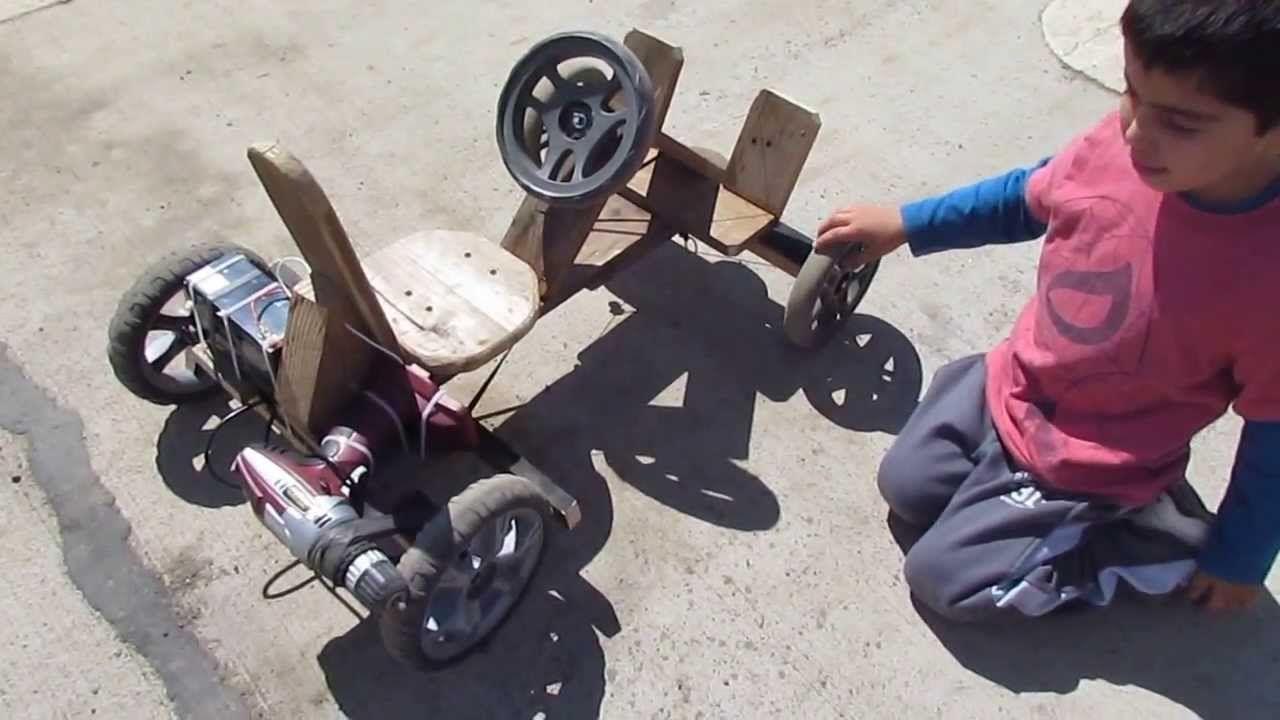 Auto a batería de madera para niño utilizando un taladro inalambrico de ...