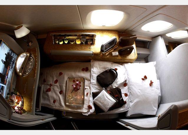 The Emirates A380 Business Class Flight Comfort Service OMG