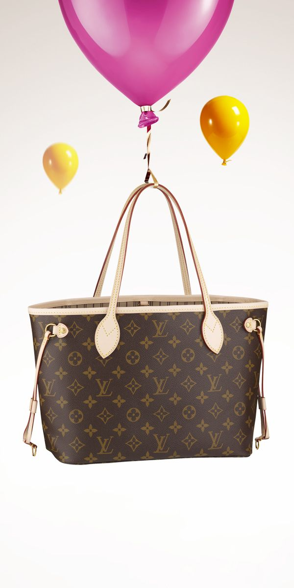 Add the Louis Vuitton Neverfull to your holiday wishlist.   maria ... d5410297b30