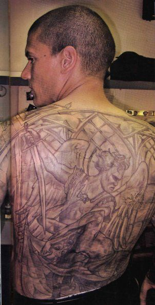 44b2433a14919 Wentworth Miller as Michael Scofield in Prison break | Back Tattoo ...