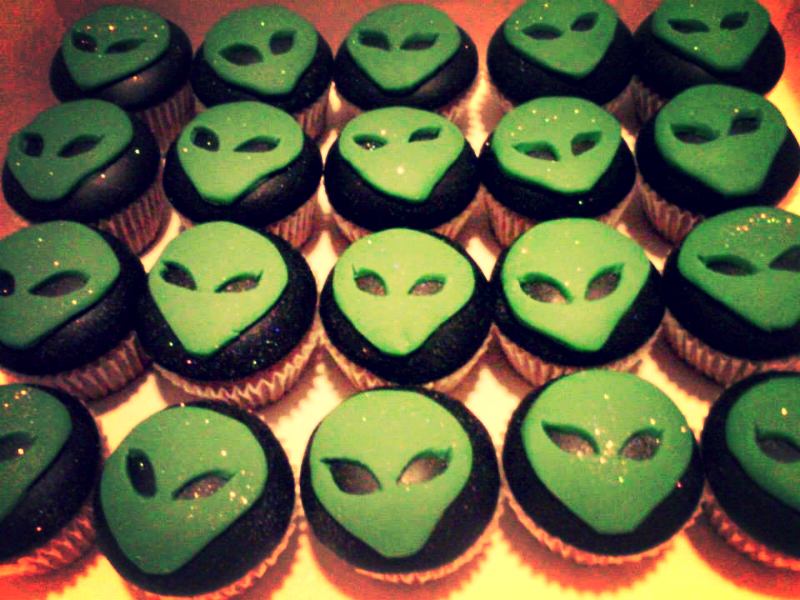 Alien cupcakes. Cake Fantastique - Cake and Wedding cake maker in Solihull   Cupcakes